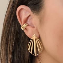 Brinco-e-Piercing-com-Textura