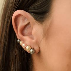 Ear-Cuff-de-Perolas-Coloridas