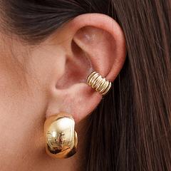 Piercing-com-Textura-e-Argola-Lisa